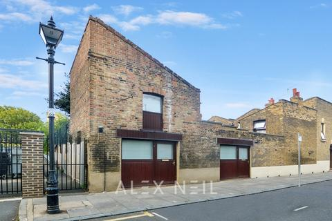 1 bedroom semi-detached house for sale - Bunsen Street, Bow E3