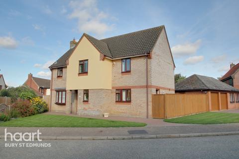 4 bedroom detached house for sale - Cloverfields, Thurston, Bury St Edmunds