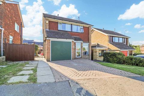 3 bedroom detached house for sale - Ashtree Avenue, Nettleham, Lincoln