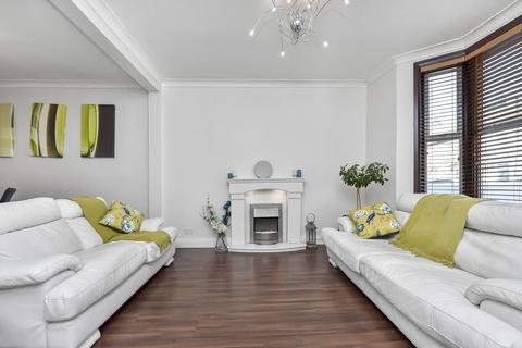 3 bedroom terraced house to rent - Neville Road, Forest Gate, London, E7