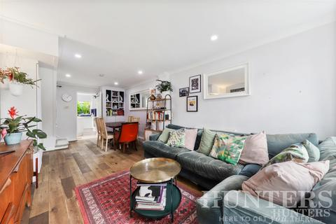 2 bedroom terraced house for sale - Clyde Road, London, N15