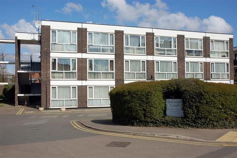 2 bedroom property to rent - Burwood Court, Goldlay Avenue, Chelmsford