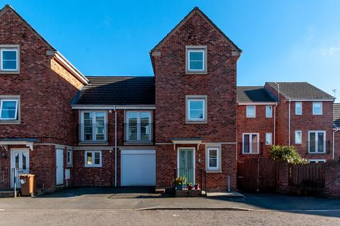 3 bedroom semi-detached house for sale - Barley Mere Close, Newton-le-Willows, WA12