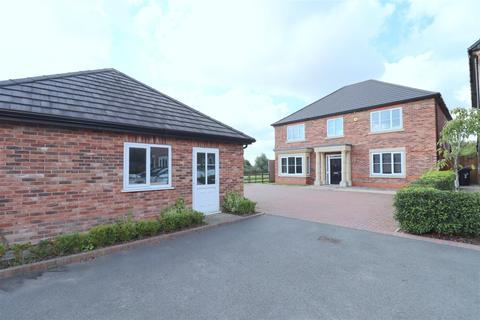5 bedroom detached house for sale - Newcastle Road, Blakelow, Nantwich