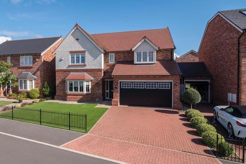 5 bedroom detached house for sale - Furber Close, Tarporley