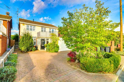 4 bedroom detached house for sale - Sandhill Road, Leigh-on-sea, SS9