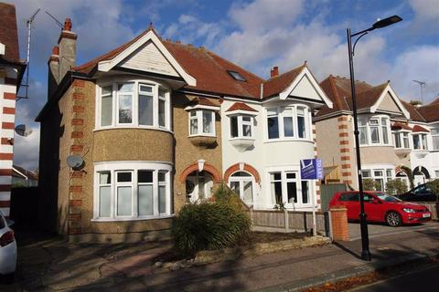 2 bedroom flat to rent - Northumberland Crescent, Southend On Sea, Essex