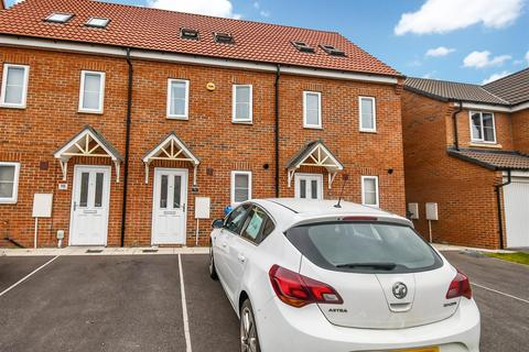 3 bedroom terraced house for sale - Grosvenor Road, Kingswood, Hull