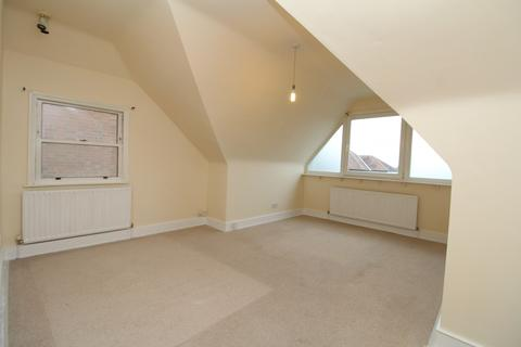 1 bedroom apartment to rent - South Norwood Hill, London, SE25