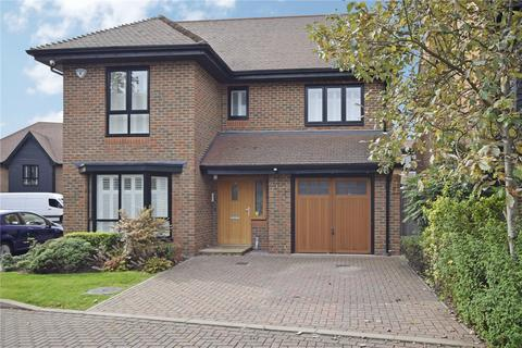 4 bedroom detached house for sale - Torrance Close, Hornchurch, Essex, RM11