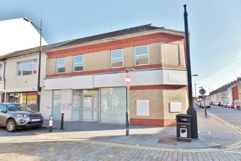 Shop to rent - Lloyds Tsb Bank PLC,  Clifton Street, Cardiff