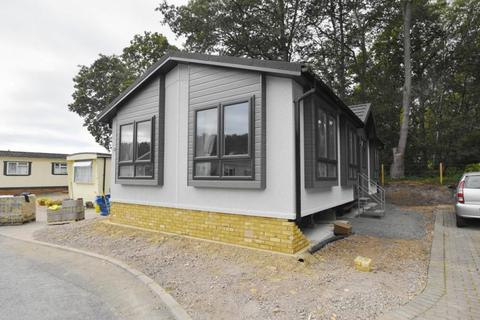 2 bedroom park home for sale - Hordle New Milton SO41 0JB