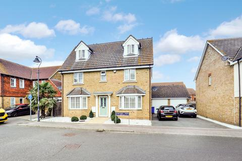 5 bedroom detached house for sale - Chetney View, Iwade, Sittingbourne, Kent, ME9