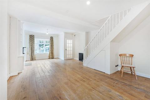 3 bedroom terraced house to rent - Vicarage Crescent, London, SW11