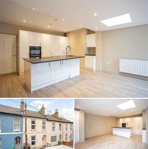 2 bedroom terraced house to rent - Ewlyn Terrace, Fairfield Road, Cheltenham, Gloucestershire, GL53