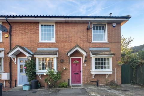 2 bedroom end of terrace house for sale - Greenstone Mews, Voluntary Place, London, E11