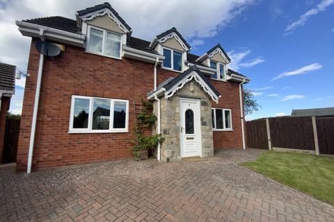 3 bedroom detached house to rent - Llys Y Wennol, Denbigh