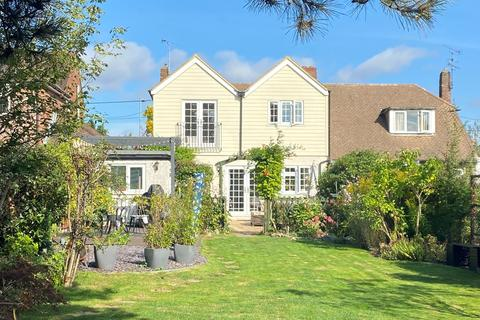 4 bedroom semi-detached house for sale - Galleywood Road, Great Baddow, Chelmsford, CM2