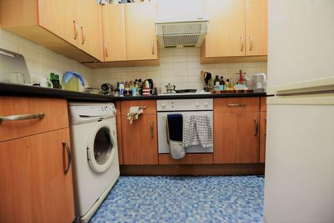 1 bedroom in a house share to rent - 4 Cardigan Road, Flat A (HS)