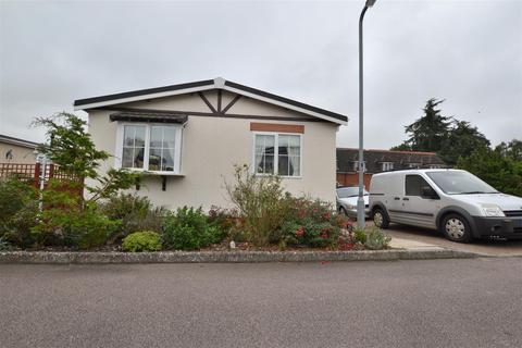2 bedroom detached bungalow for sale - Danesbury Park Road, Welwyn