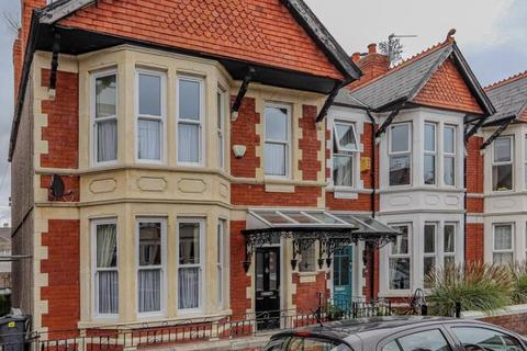 4 bedroom end of terrace house for sale - Laytonia Avenue, Cardiff