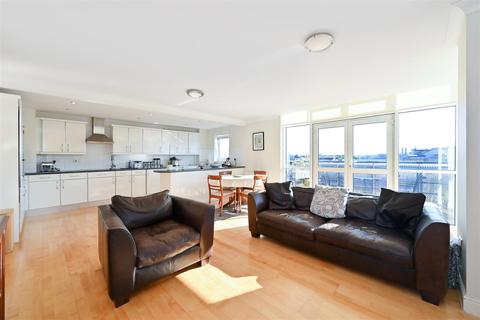 2 bedroom apartment for sale - Langbourne Place, Isle of Dogs, E14