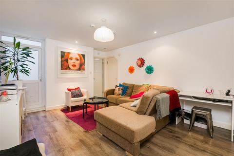 3 bedroom flat to rent - Dawes Road, SW6