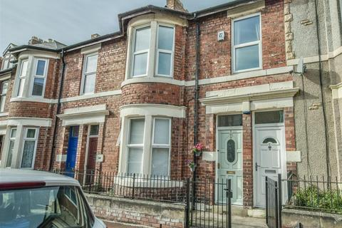 3 bedroom flat for sale - Rodsley Avenue, Gateshead