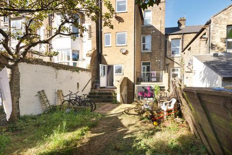 2 bedroom flat for sale - Godwin Road, Cliftonville