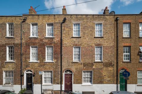 3 bedroom townhouse for sale - Parfett Street, London, E1
