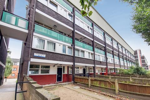 3 bedroom flat for sale - St Helena Road, Surrey Quays, SE16