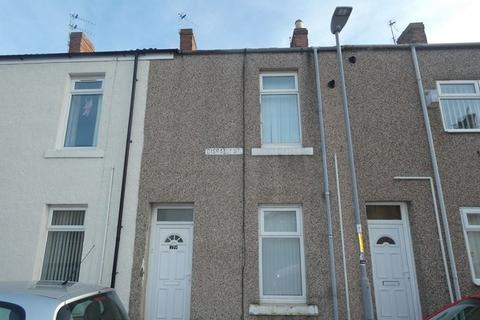 2 bedroom terraced house to rent - Disraeli Street, Blyth, Northumberland, NE24 1JE