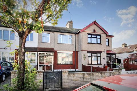 3 bedroom terraced house for sale - Mortlake Road, Ilford, Essex, IG1