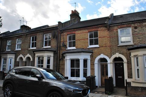 4 bedroom terraced house to rent - Poplar Road SE24