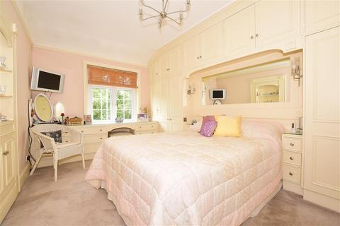 3 bedroom detached house for sale - Northumberland Avenue, Wanstead