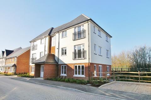 1 bedroom flat to rent - Scholars Lodge, Longhurst Avenue, Highwood, Horsham, RH12
