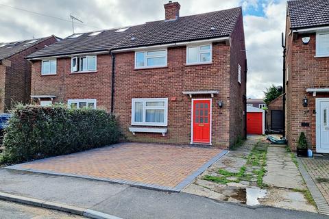 3 bedroom semi-detached house to rent - Frampton Road, Potters Bar, EN6