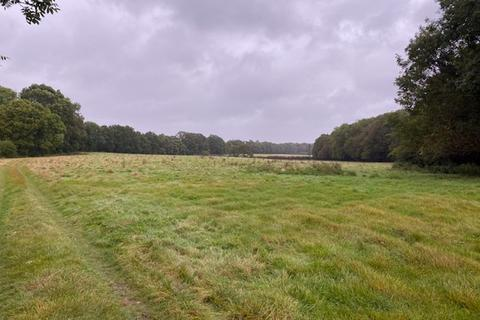 Land to rent - Grazing Land and building to Let
