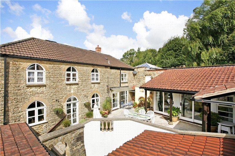4 Bedrooms Detached House for sale in Silk Path, Crewkerne, Somerset