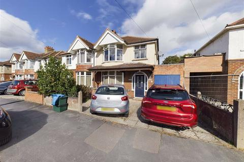 4 bedroom semi-detached house for sale - Windermere Road, Longlevens