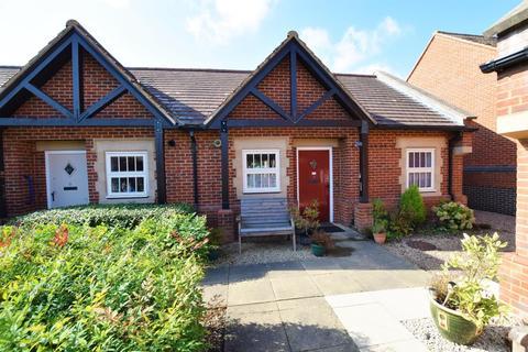 1 bedroom bungalow for sale - Huntsmans Drive, Oakham