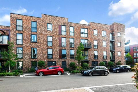 3 bedroom flat for sale - Madeleine Close, Letchworth Road, Stanmore