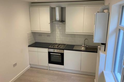 3 bedroom maisonette to rent - Greenford Avenue, London, W7