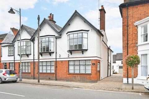 4 bedroom townhouse for sale - The Old Post Office, 50 High Street, Eccleshall, Staffordshire. ST21 6BZ