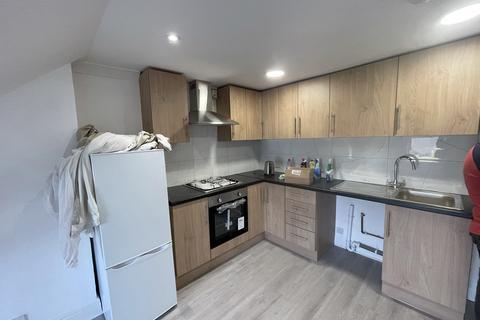 2 bedroom flat to rent - Doyle Gardens, London, NW10 3DA