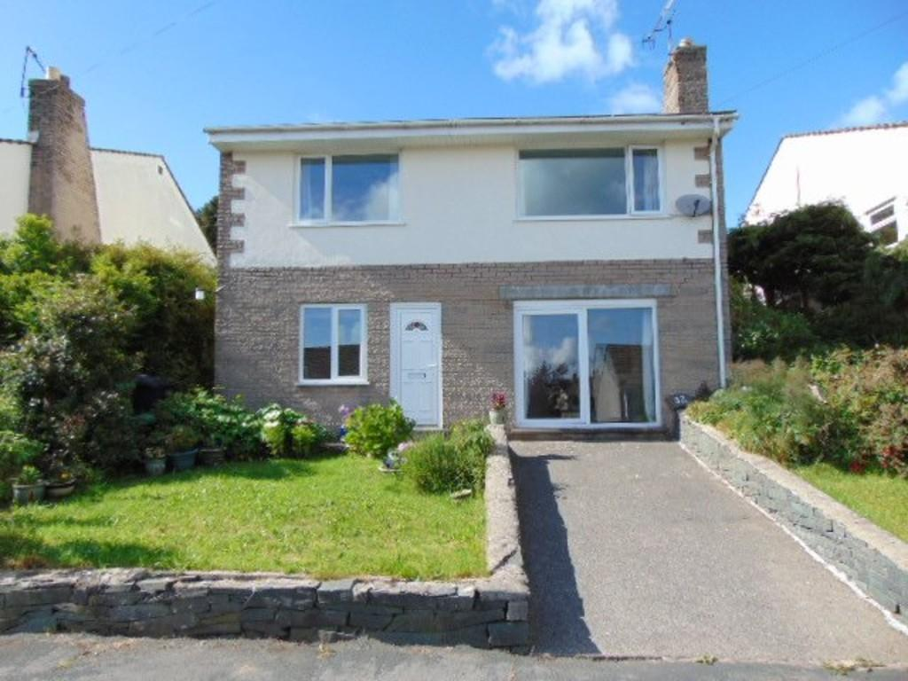 4 Bedrooms Detached House for sale in 32 Greenways Drive, Endmoor