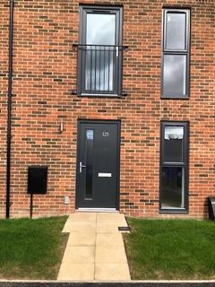 3 bedroom terraced house to rent - Shergar Way, Shergar Way, Salford M6