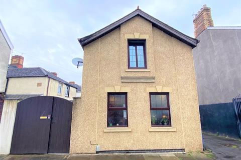 2 bedroom coach house for sale - Llanmaes Street Grangetown Cardiff CF11 7LQ