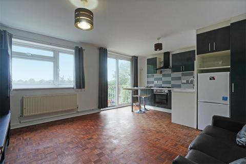 2 bedroom flat to rent - Lynton Terrace, Acton, London, W3