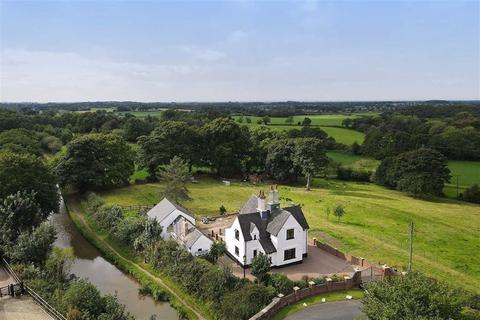 4 bedroom detached house for sale - New Road, Moreton
